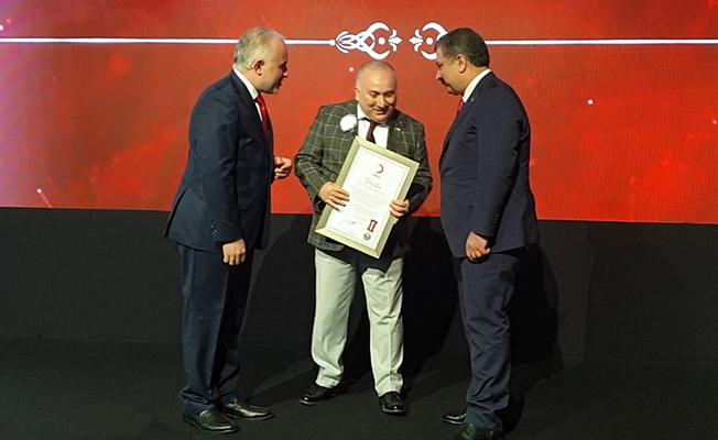 Kızılay'a yaptığı bağışla Neutec platin madalyanın sahibi oldu!