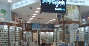 Fahri Kuz Akmerkez mağazasını kapatıyor